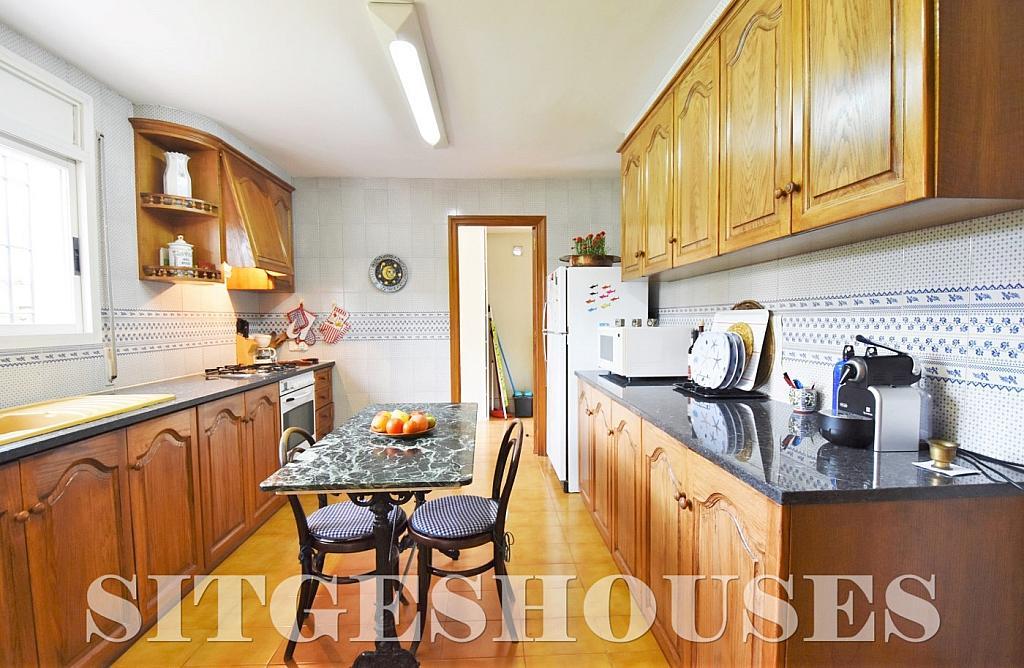 Cocina - Casa en alquiler en calle Avda Navarra, Terramar en Sitges - 322039579
