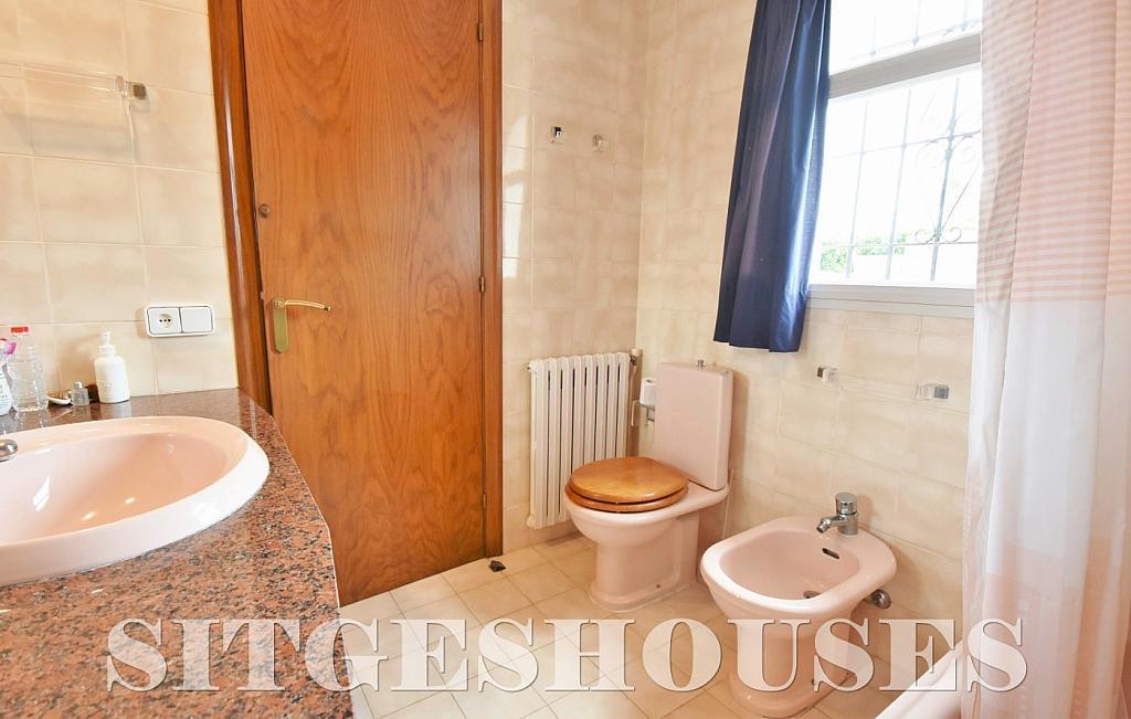 Baño - Casa en alquiler en calle Avda Navarra, Terramar en Sitges - 322039597