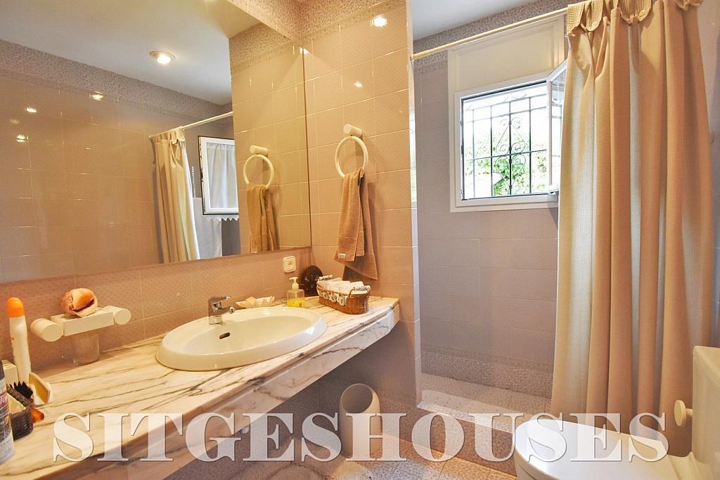 Baño - Casa en alquiler en calle Avda Navarra, Terramar en Sitges - 322039620