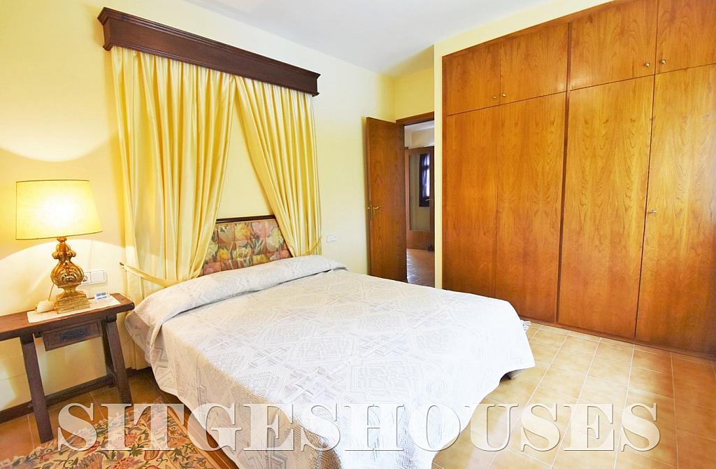 Dormitorio - Casa en alquiler en calle Avda Navarra, Terramar en Sitges - 322039632