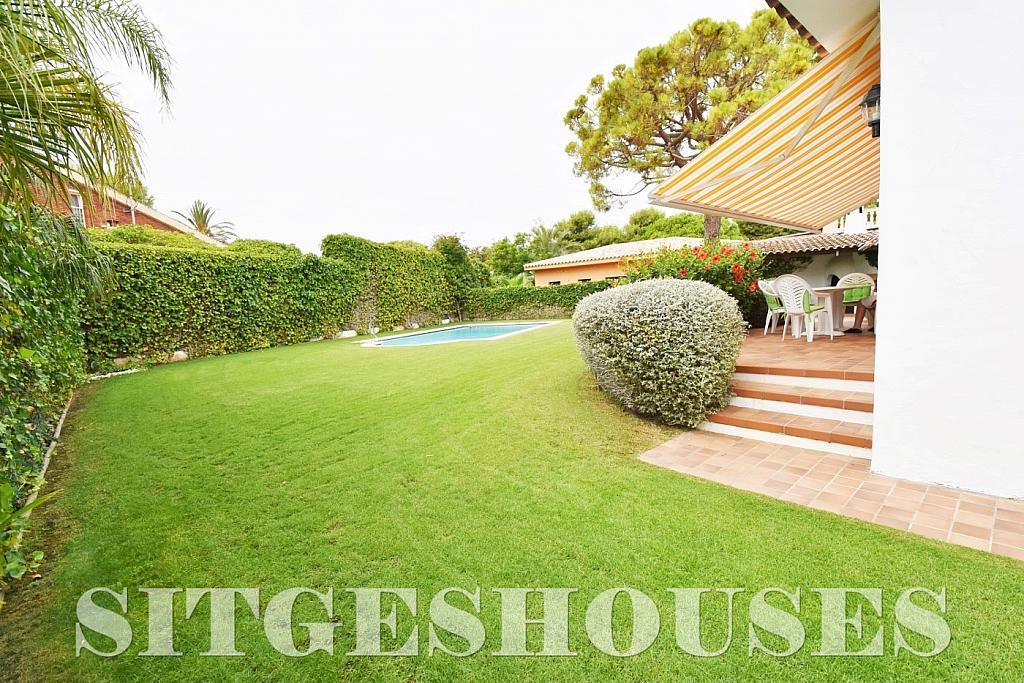 Casa en venta en calle Avda Navarra, Terramar en Sitges - 322040766
