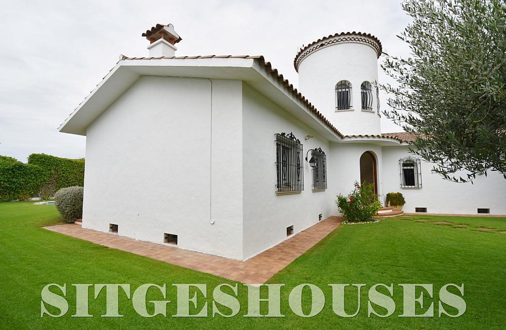 Jardín - Casa en venta en calle Avda Navarra, Terramar en Sitges - 322040788