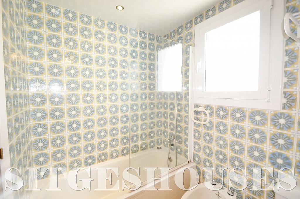 Baño - Piso en alquiler en calle Sardana, Cent en Sitges - 394784343