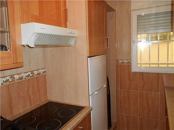 Piso en alquiler en calle Zubieta, Simancas en Madrid - 329871063
