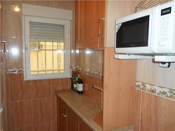 Piso en alquiler en calle Zubieta, Simancas en Madrid - 329871066