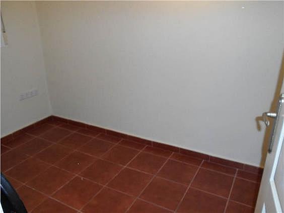 Piso en alquiler en calle Zubieta, Simancas en Madrid - 329871075