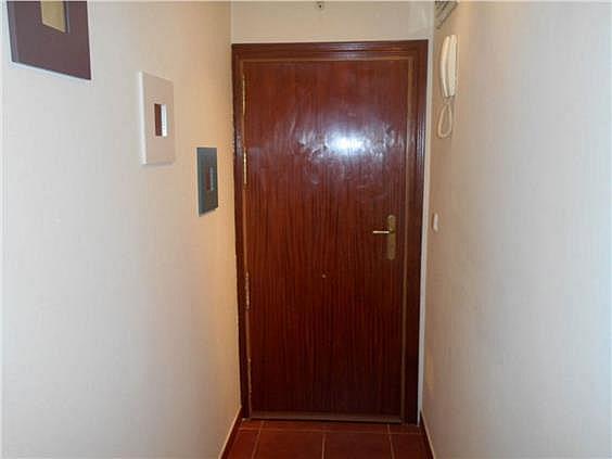 Piso en alquiler en calle Zubieta, Simancas en Madrid - 329871078