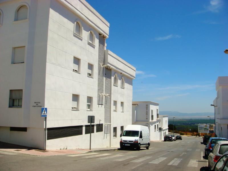 Fachada - Piso en alquiler en calle Miguel de Cervantes, Vejer de la Frontera - 80429541