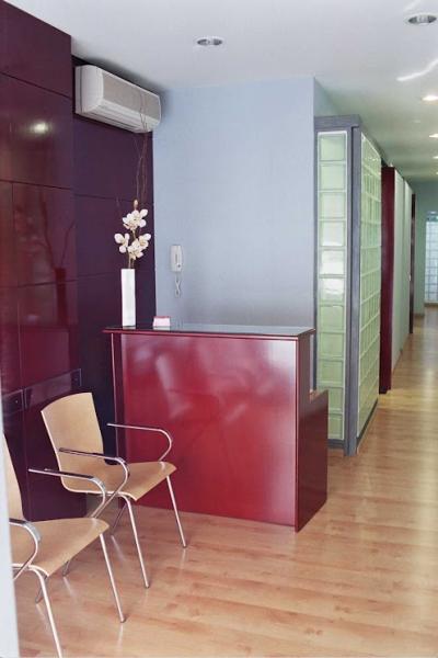 Vestíbulo - Local comercial en alquiler en calle Angel Guimera, Centre en Sabadell - 90437585