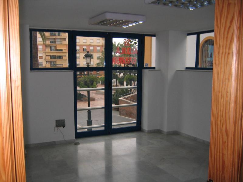 Detalles - Local comercial en alquiler en calle Mercado, San Pedro de Alcántara - 90576716
