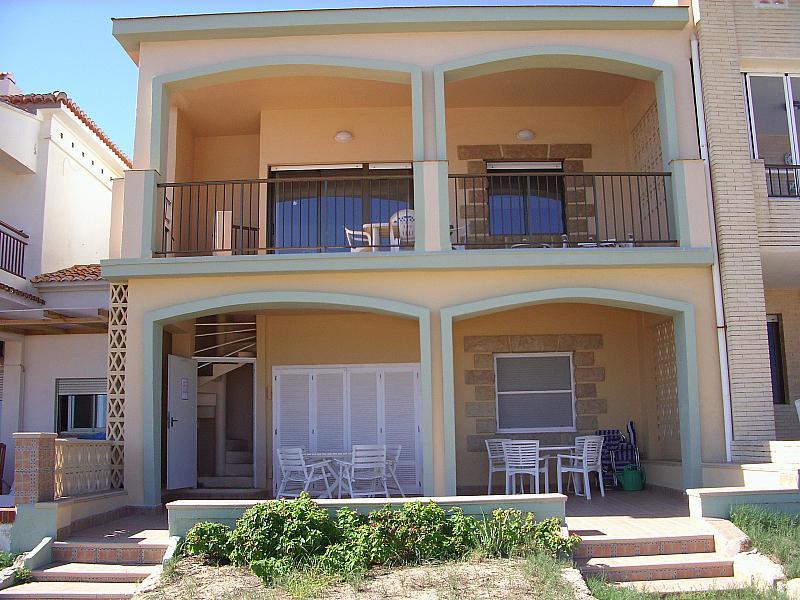 Fachada - Apartamento en alquiler en calle Virgen del Mar, Oliva - 215687425