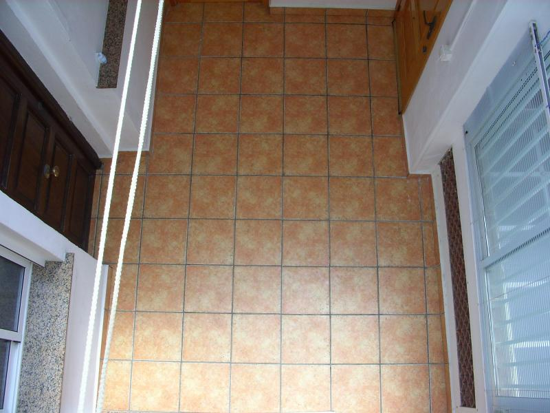 Patio - Apartamento en alquiler en calle Virgen del Mar, Oliva - 96689431
