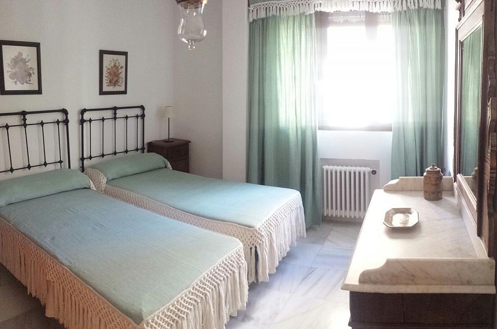 Dormitorio - Piso en alquiler en calle Eduardo Dato, Nervión en Sevilla - 331823564