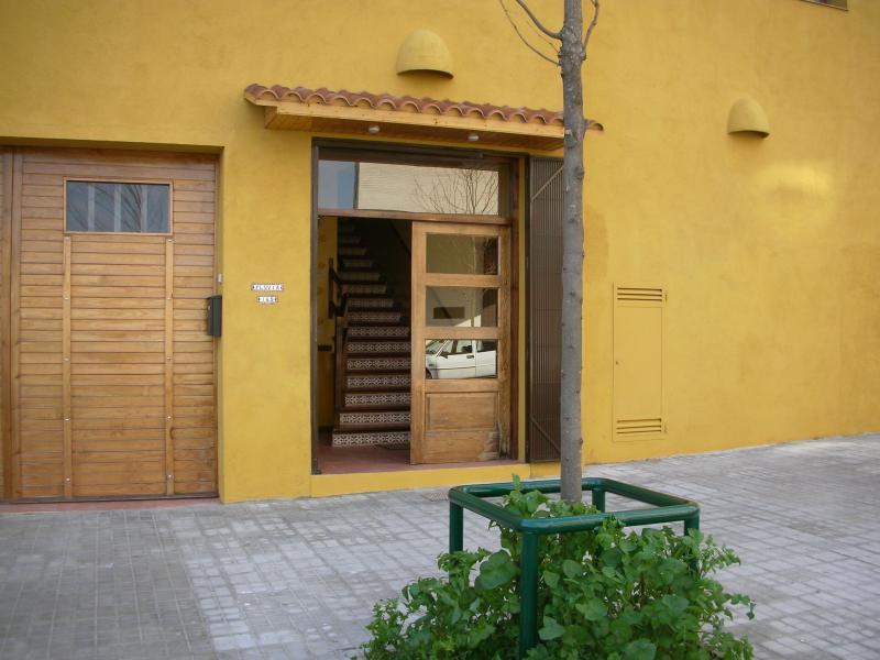 Fachada - Apartamento en alquiler de temporada en calle Fluvia, Provençals del Poblenou en Barcelona - 112851989