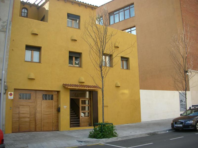 Fachada - Apartamento en alquiler de temporada en calle Fluvia, Provençals del Poblenou en Barcelona - 112851994
