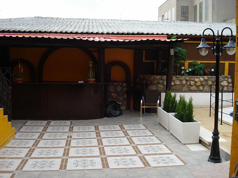 Terraza - Local comercial en alquiler en plaza Passatge Sant Ramon, Centre vila en Vilafranca del Penedès - 148283109