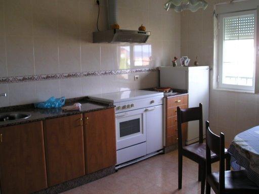Cocina - Casa en alquiler de temporada en calle Quilmas, Carnota - 117840657