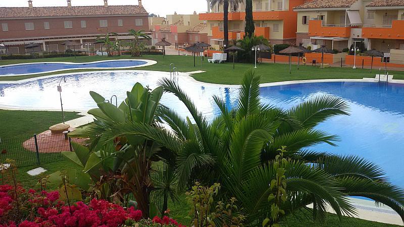 Piscina - Apartamento en alquiler en paseo De Las Cumbres, Islantilla - 205378253