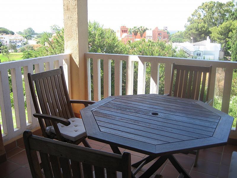 Terraza - Apartamento en alquiler de temporada en urbanización Conjunto Amatista, Divina Pastora en Marbella - 134340036