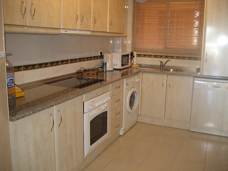 Cocina - Apartamento en alquiler de temporada en urbanización Conjunto Amatista, Divina Pastora en Marbella - 134340081