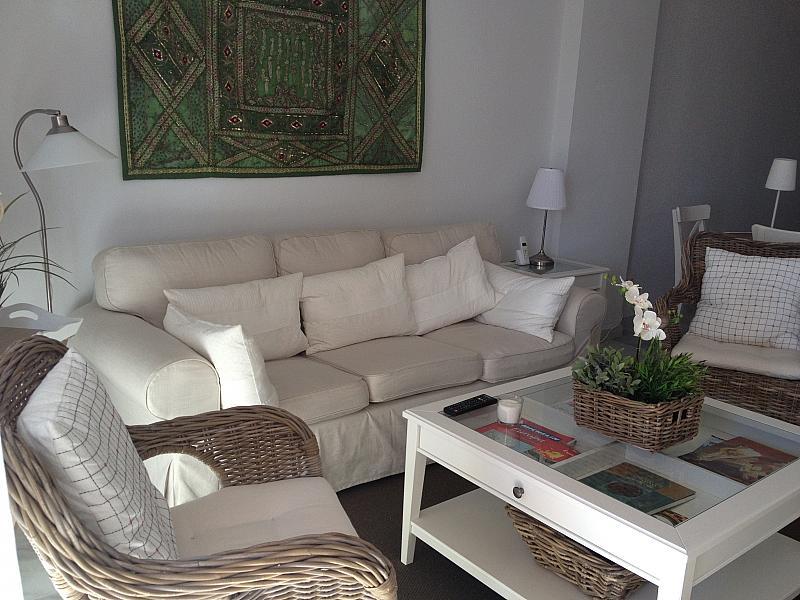 Salón - Apartamento en alquiler de temporada en urbanización Conjunto Amatista, Divina Pastora en Marbella - 173094578