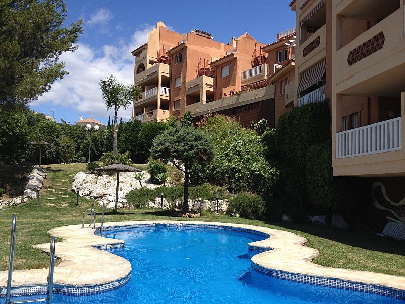 Piscina - Apartamento en alquiler de temporada en urbanización Conjunto Amatista, Divina Pastora en Marbella - 173094619