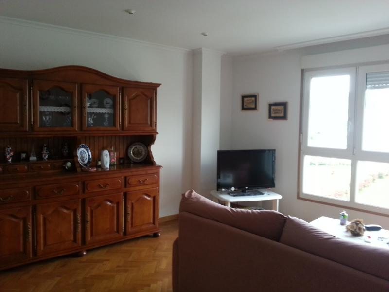 Salón - Piso en venta en calle Lodeiro, Viveiro - 118645992