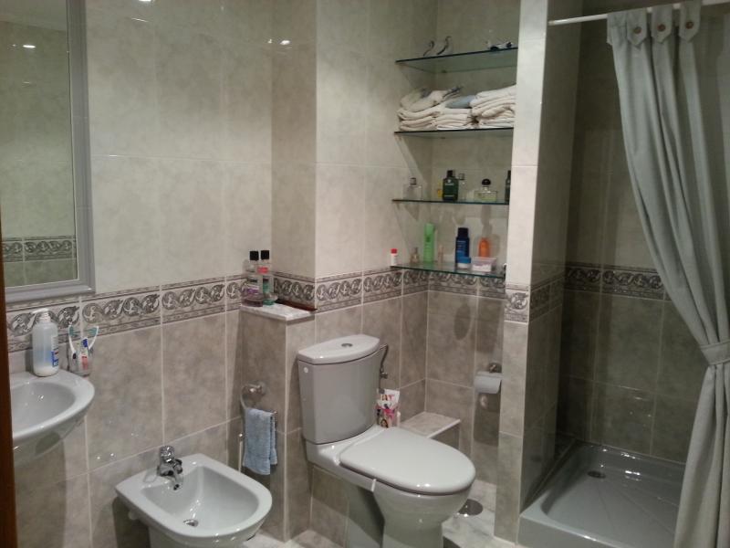 Baño - Piso en venta en calle Lodeiro, Viveiro - 118646448