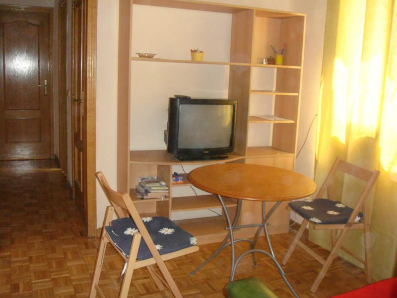 Alquiler de pisos de particulares en la provincia de for Pisos en arguelles madrid