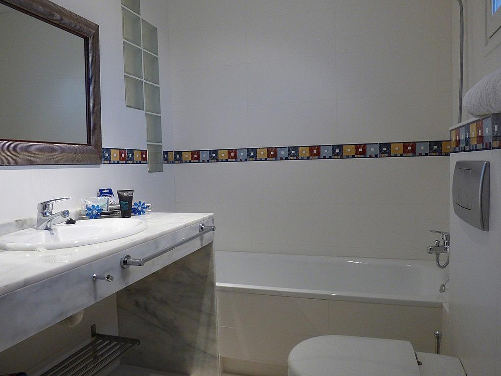 Baño - Apartamento en alquiler en urbanización La Olla, Altea - 330138190