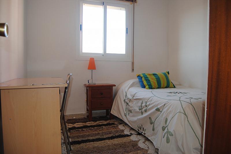 Dormitorio - Piso a compartir en calle Dr Garcia Verdugo, Plaza de toros en Fuengirola - 124045146