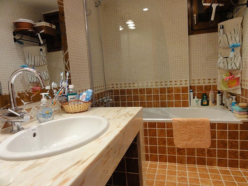Baño - Apartamento en venta en calle Fontcanaleta, Alp - 144866869