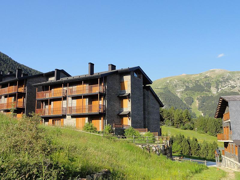 Vistas - Apartamento en venta en calle Fontcanaleta, Alp - 144869836