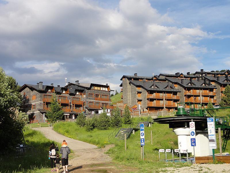 Vistas - Apartamento en venta en calle Fontcanaleta, Alp - 144871203