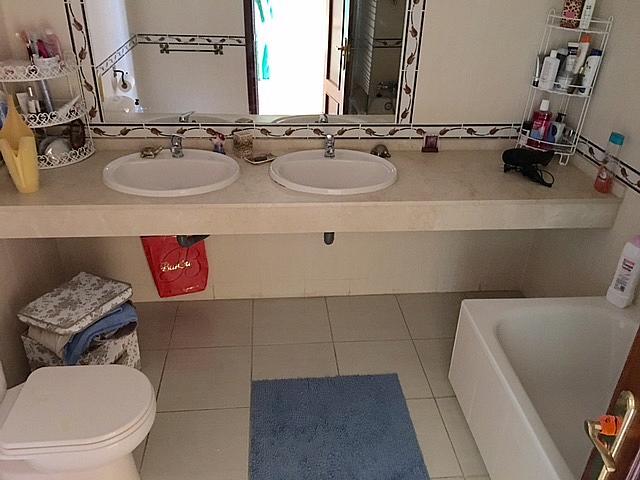 Baño - Casa adosada en alquiler en pasaje Estonia, Torrequebrada en Benalmádena - 327649963