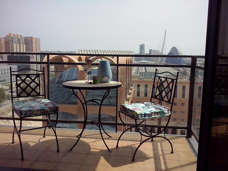 Terraza - Apartamento en alquiler de temporada en calle General Urrutia, Ciutat de les Arts i les Ciències en Valencia - 141836195