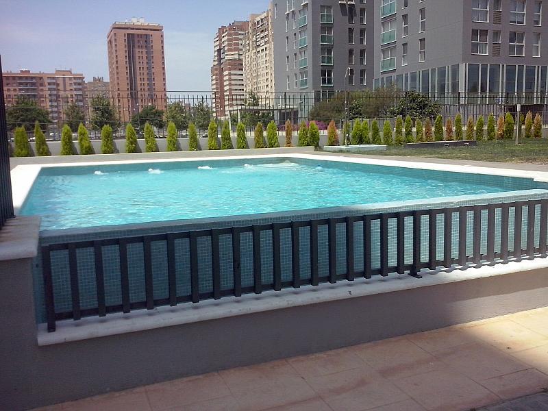 Piscina - Apartamento en alquiler de temporada en calle General Urrutia, Ciutat de les Arts i les Ciències en Valencia - 141852418