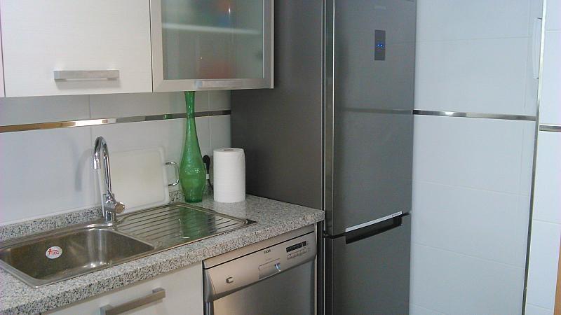 Cocina - Apartamento en alquiler de temporada en calle General Urrutia, Ciutat de les Arts i les Ciències en Valencia - 142394448