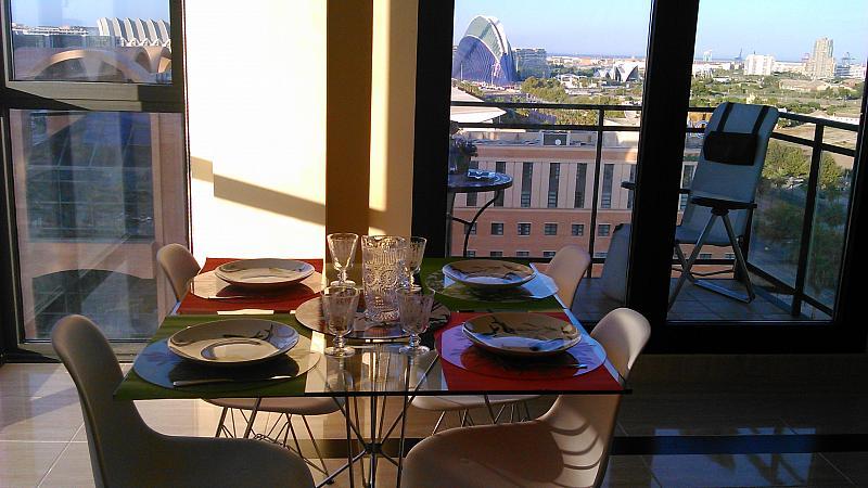Comedor - Apartamento en alquiler de temporada en calle General Urrutia, Ciutat de les Arts i les Ciències en Valencia - 149136957