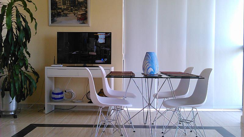 Comedor - Apartamento en alquiler de temporada en calle General Urrutia, Ciutat de les Arts i les Ciències en Valencia - 156510715