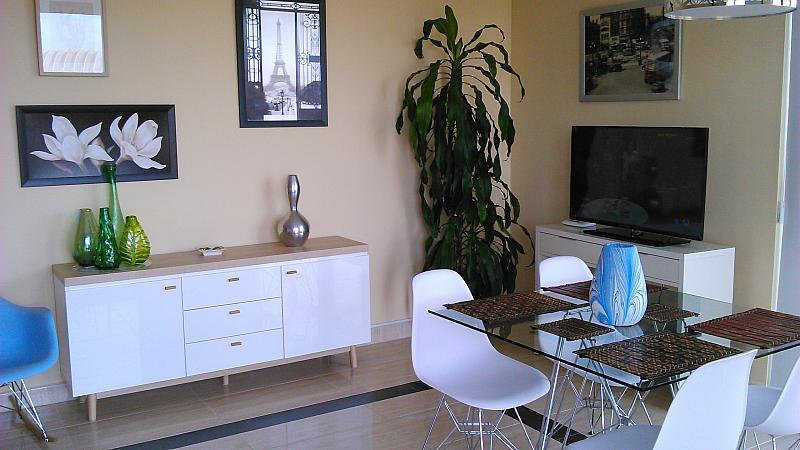 Comedor - Apartamento en alquiler de temporada en calle General Urrutia, Ciutat de les Arts i les Ciències en Valencia - 156604076