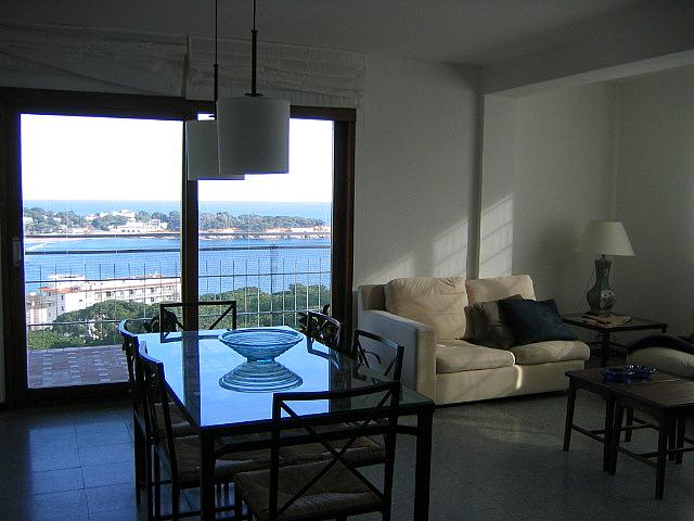 Salón - Ático en alquiler de temporada en carretera De Palamós, Sant Feliu de Guíxols - 300290449