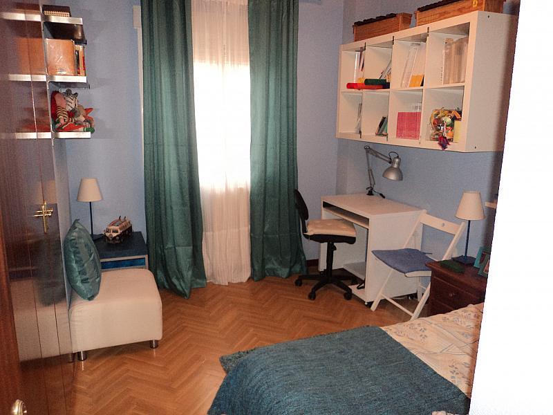 Dormitorio - Piso a compartir en calle Sierra de Meira, Numancia en Madrid - 145042455