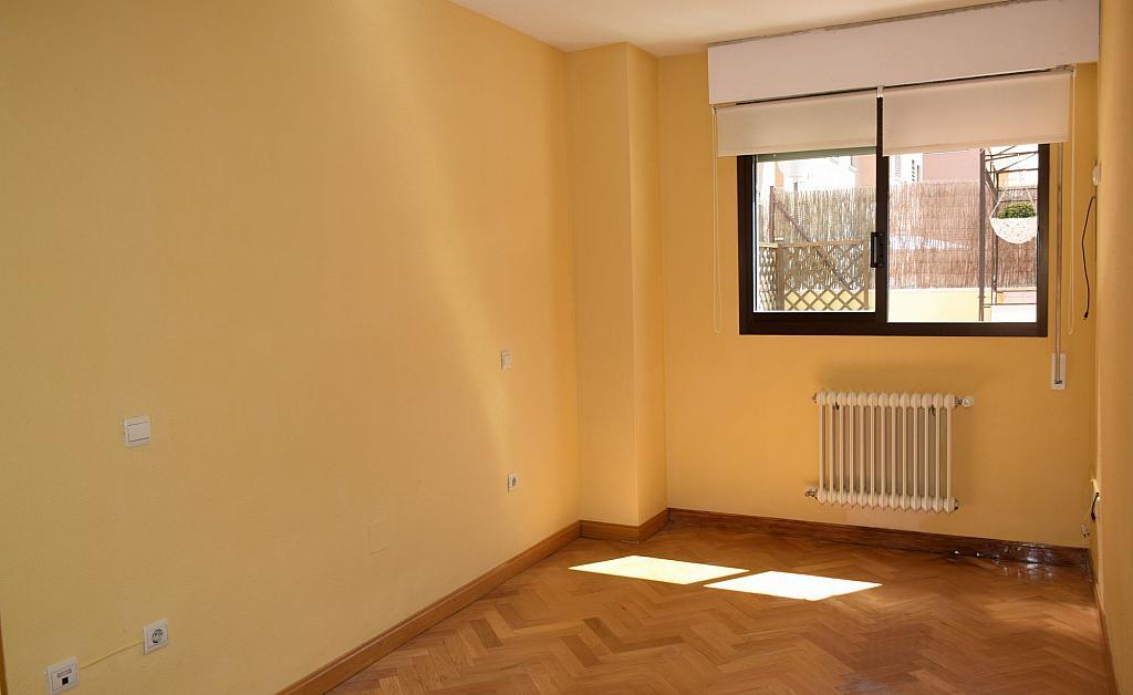 Dormitorio - Piso en alquiler en calle Monaco, Rosas-Musas en Madrid - 301813586