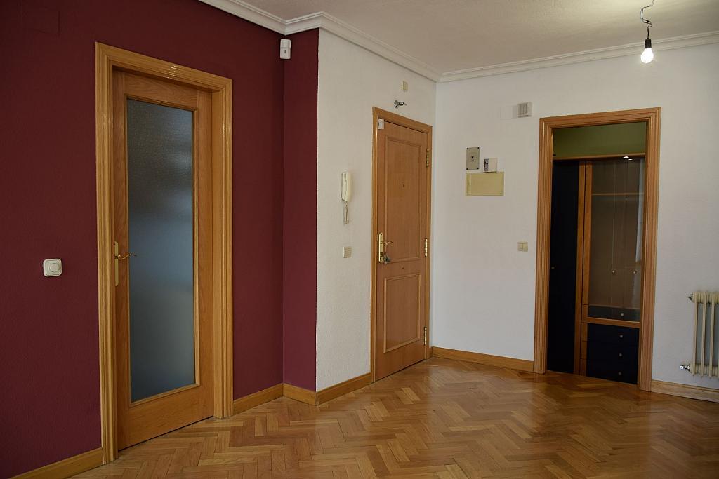 Salón - Piso en alquiler en calle Monaco, Rosas-Musas en Madrid - 301814502