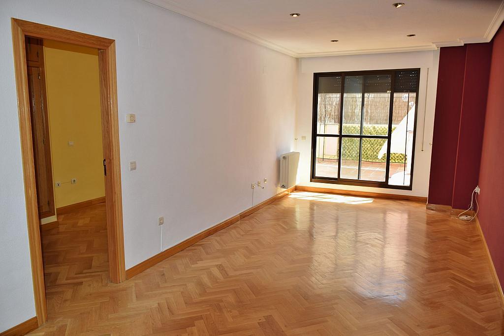 Salón - Piso en alquiler en calle Monaco, Rosas-Musas en Madrid - 301814561