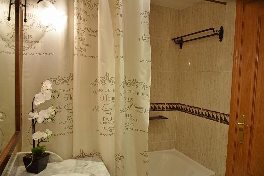 Baño - Piso en alquiler en calle Monaco, Rosas-Musas en Madrid - 301814586