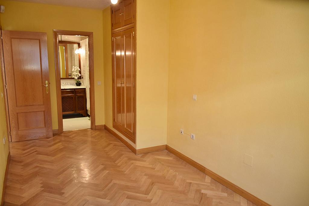 Dormitorio - Piso en alquiler en calle Monaco, Rosas-Musas en Madrid - 301814793