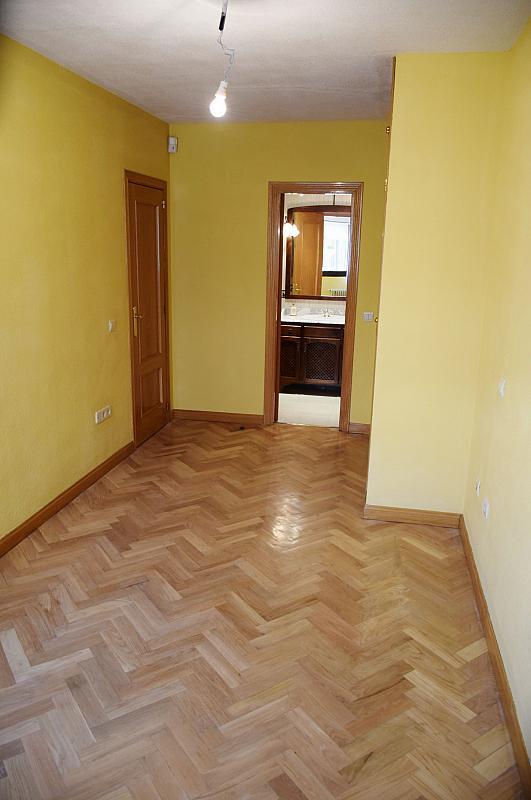 Dormitorio - Piso en alquiler en calle Monaco, Rosas-Musas en Madrid - 301814831