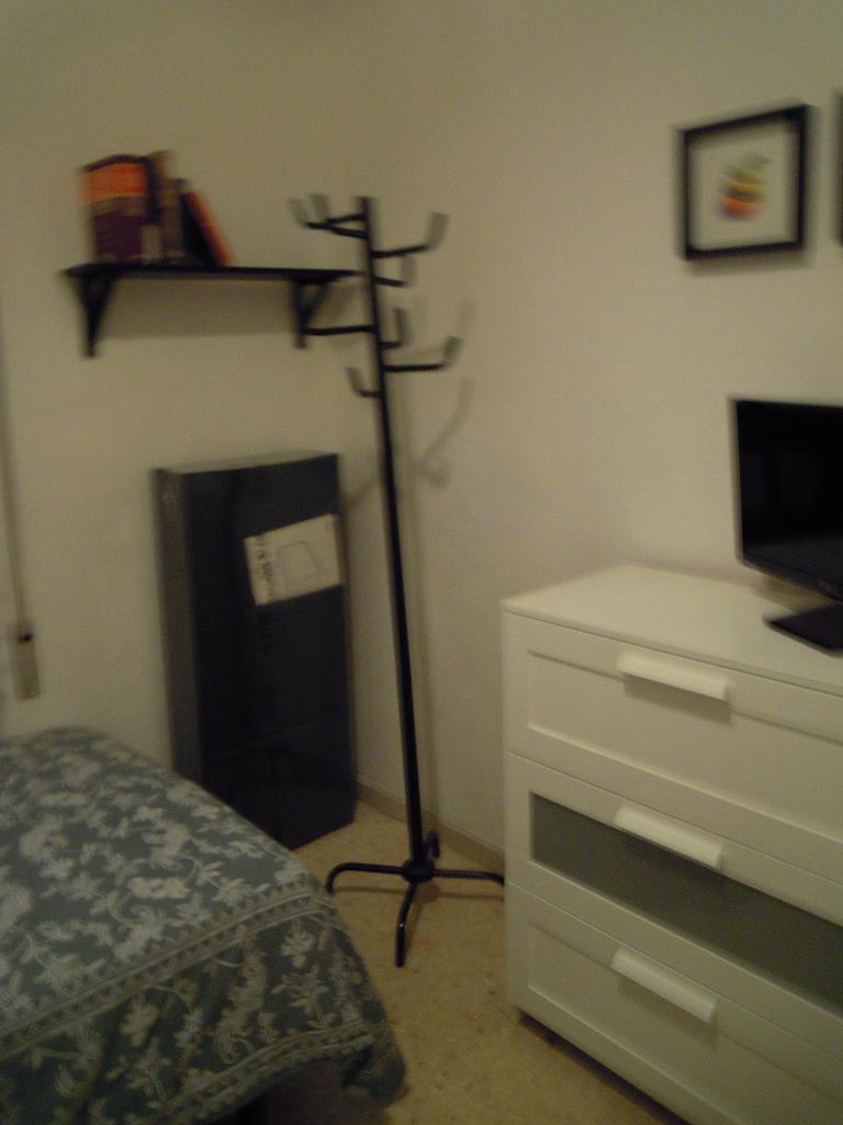Dormitorio - Piso a compartir en calle Calabria, Eixample esquerra en Barcelona - 154574106